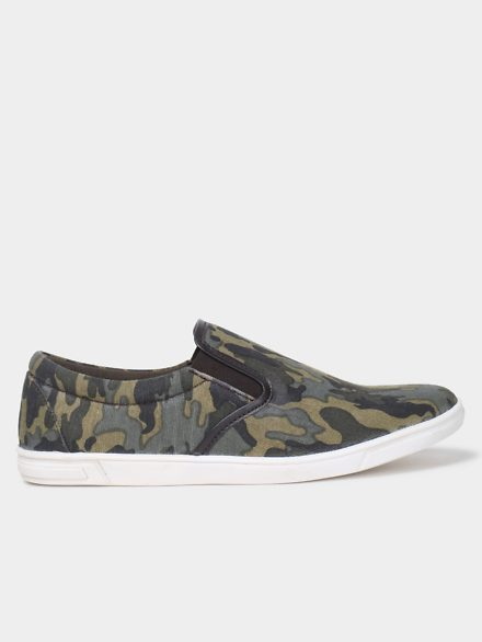 abof Men Olive Green Camouflage Print Canvas Casual Slip-ons