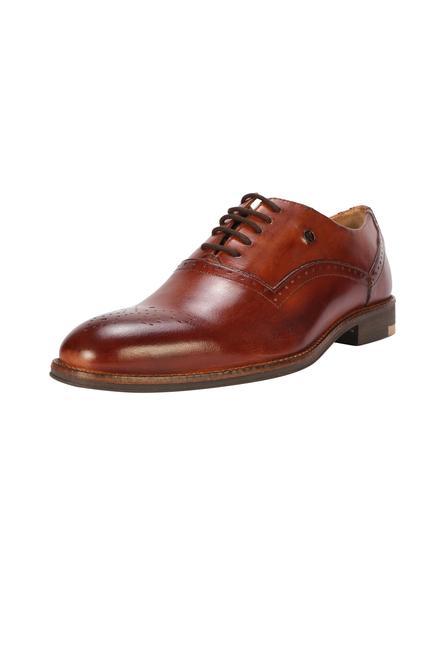 5e1ce3bee00204 Van Heusen Footwear
